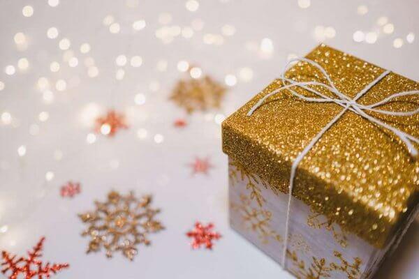 Profumi da regalare a Natale: i migliori per lei